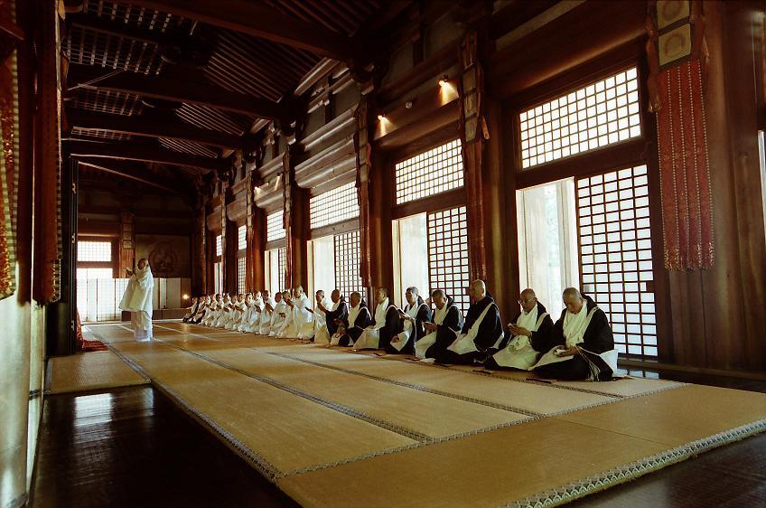 Mount Koya (C) Wakayama Tourism Board